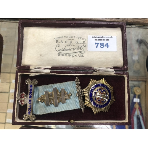 784 - A BOXED HALLMARKED SILVER MASONIC MEDAL AND RIBBON...