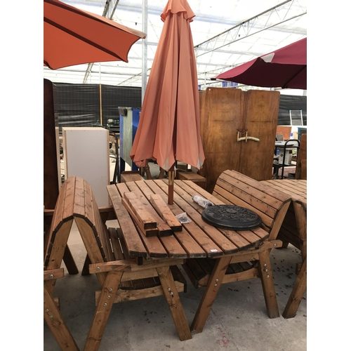 1036 - A PINE GARDEN SET CONSISTING OF A RECTANGULAR TABLE 137 CM X 97 CM WITH TWO 2 SEATER BENCHES, PARASO...