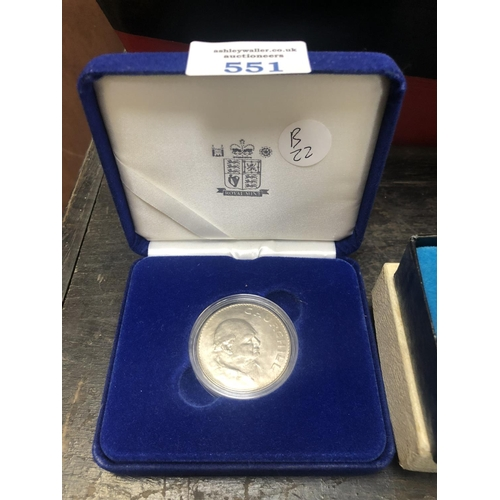 551 - A BOXED 'ROYAL MINT' CHURCHILL CROWN...