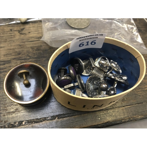 616 - A BOX CONTAINING VARIOUS CUFF LINKS TO INCLUDE A FAUX TORTOISESHELL EFFECT LIDDED BOX (QTY)...