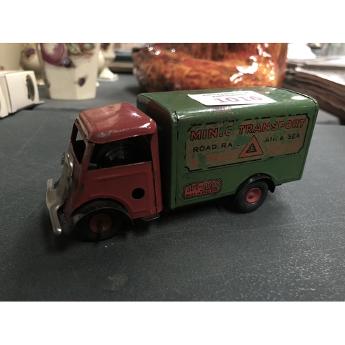 1016 - A VINTAGE 'TRIANG' TINPLATE MIMIC TRANSPORT LORRY MODEL...