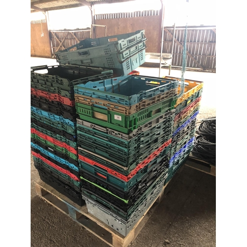 15 - MIXED CARRYING TRAYS IN VARIOUS COLOURS APPROX. 70...