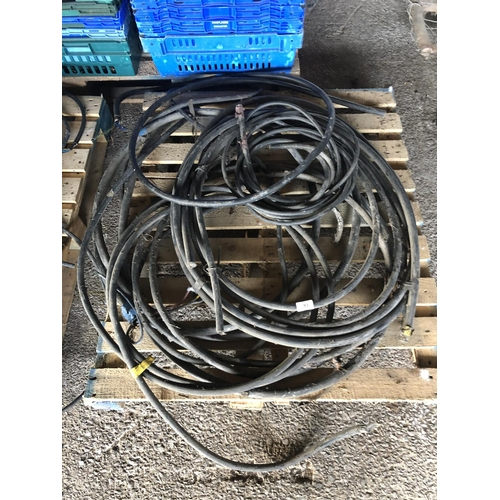 31 - VARIOUS ARMOURED CABLE...