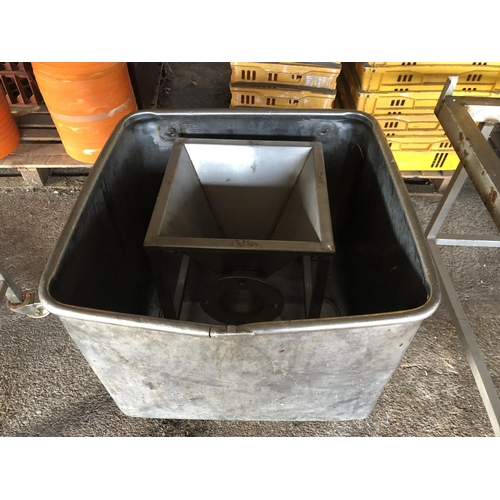 36 - TOTE BIN AND OFFAL COLLECTION HOPPER...