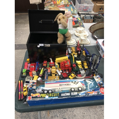 533 - A MIXED GROUP OF ASSORTED TOYS, TO INCLUDE MECCANO STYLE CARE ETC (QTY)...