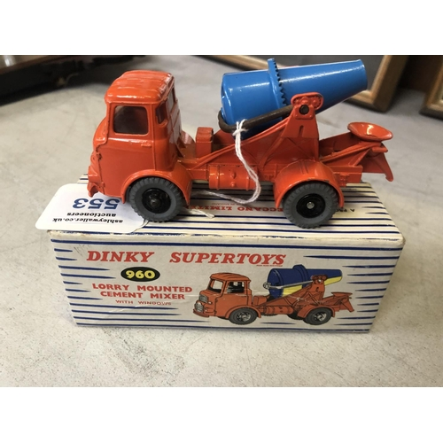 553 - A BOXED 'DINKY' NO.960 LORRY MOUNTED CEMENT MIXER DIE CAST MODEL...