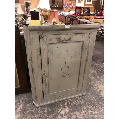 600 - A SHABBY SHIC PAINTED FLAT FRONTED CORNER CUPBOARD WITH INNER SHELF...
