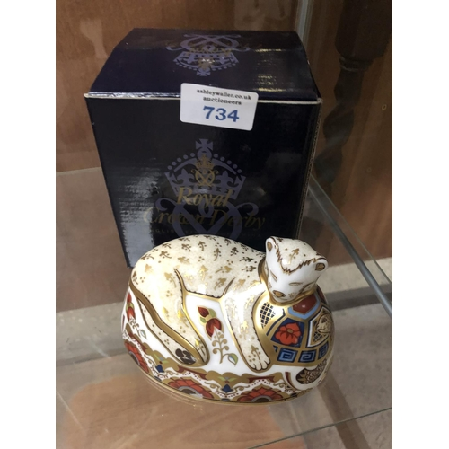 734 - A BOXED ROYAL CROWN DERBY 'LION CUB' IMARI PAPERWEIGHT...