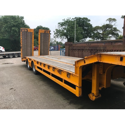 224 - A KING STEP FRAME LOW LOADER, TANDEM AXLE, HYDRAULIC RAMPS, AIR SUSPENSION, ELECTRIC WINCH MOT SEPT ...