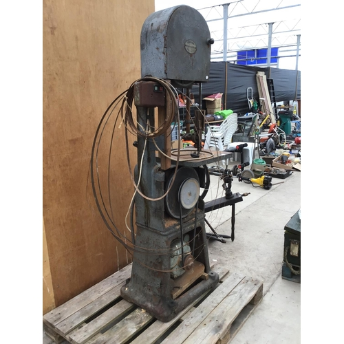 3 - AN OLIVER MACHINERY CO LTD MANCHESTER BAND SAW WITH A BROOK MOTORS LTD HUDDERFIELD MOTOR...