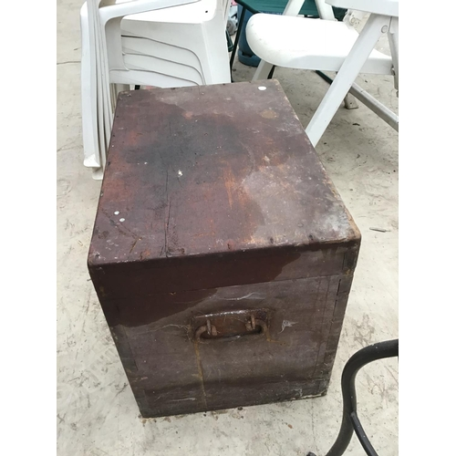 45 - A VINTAGE WOODEN TOOL BOX WITH WITH SIDE HANDLES...