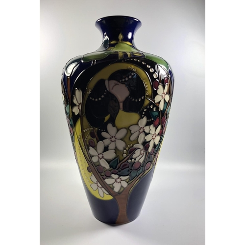 504 - A LIMITED EDITION MOORCROFT POTTERY 'TAMLAINE' PATTERN VASE, NUMBER 25/50, HEIGHT 31.5CM...