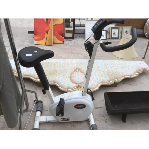 52 - A BODY SCULPTURE BC1510 EXERCISE BIKE...