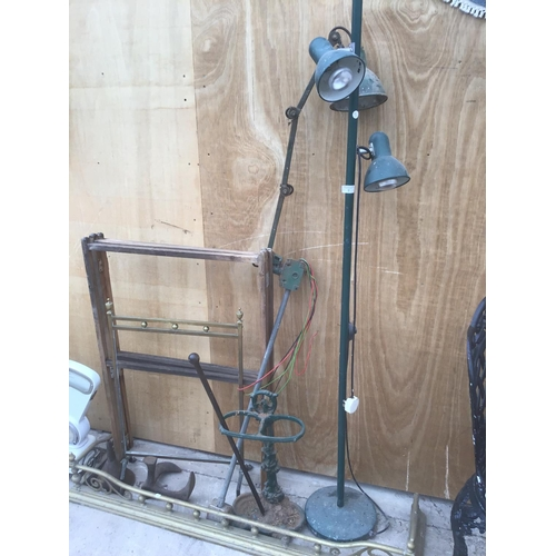 7 - A MIXED LOT OF VINTAGE ITEMS TO INCLUDE AN INDUSTRIAL ANGLE POISE LAMP, INDUSTRIAL STANDARD LAMP. BR...