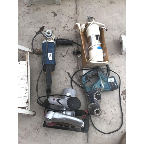 39 - FOUR POWER TOOLS TO INCLUDE A MAKITA DRILL, ANGLE GRINDER, ELECTRIC CIRCULAR SAW ETC SAW IN WORKING ...