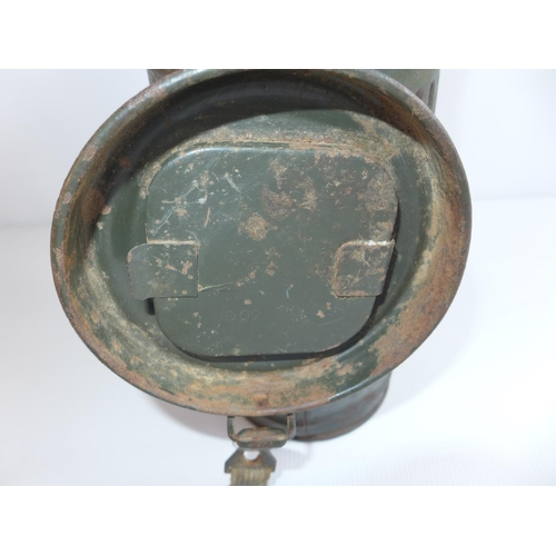 319 - A WW2 GERMAN GAS MASK, CASED DATED 1943...