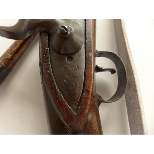 332 - AN EAST INDIA COMPANY PERCUSSION CAP BROWN BESS MUSKET AND BAYONET, LOCK MARKED HURST, LENGTH OF BAR...