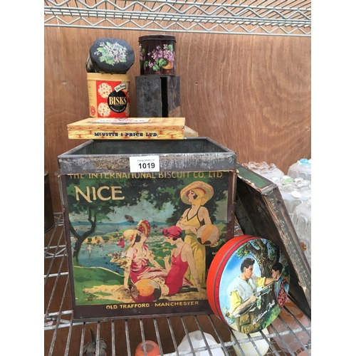 1019 - A QUANTITY OF ORIGINAL VINTAGE TINS TO INCLUDE 'NICE OLD TRAFFORD MANCHESTER'...
