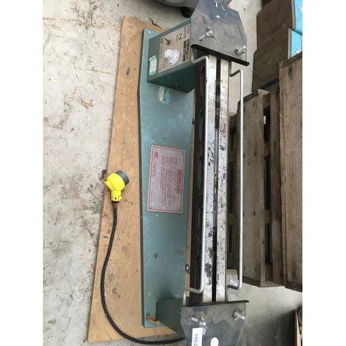 1062 - A STRIP HEATER CLARKE AND CO MODEL 500 MK111...