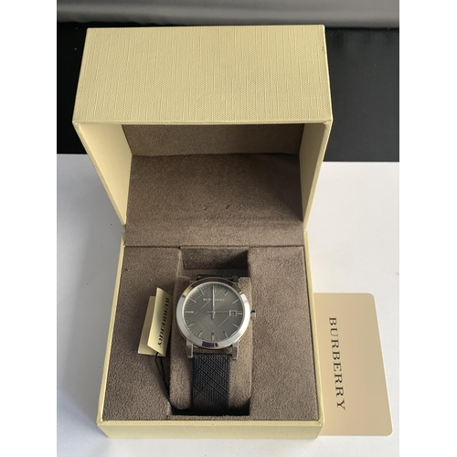 566 - A NEW BURBERRY WRISTWATCH...