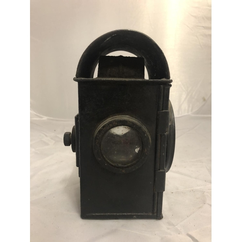 434 - A GEORGE VI RAILWAY SIGNALING LAMP DATED 1940 AND SNLW LTD...