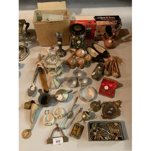 842 - A LARGE COLLECTION OF WOODEN AND METAL ITEMS TO INCLUDE GLASS MARBLES, MINIATURE SHOES, BOX OF COSTU...