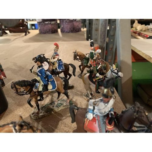 883 - A QUANTITY OF LEAD FIGURES OF SOLDIERS ON HORSEBACK...