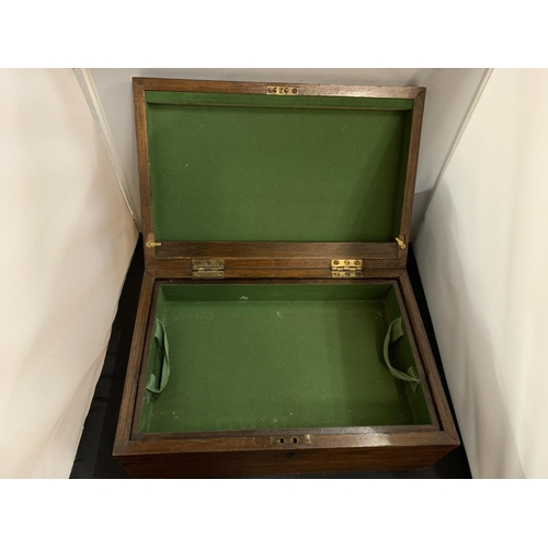 16 - A LARGE MAHOGANY HINGED LIDDED BOX WITH LIFT OUT TRAY (44X29X17CM)