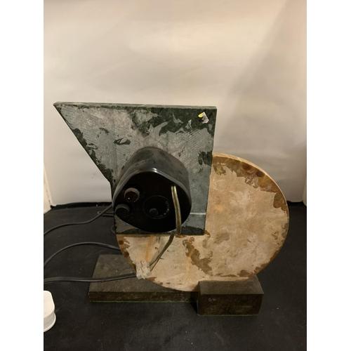 19 - AN ELECTRIC ART DECO STYLE SHELF CLOCK (H: 28CM)