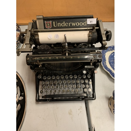 41 - A VERY EARLY 'UNDERWOOD' MANUAL TYPEWRITER