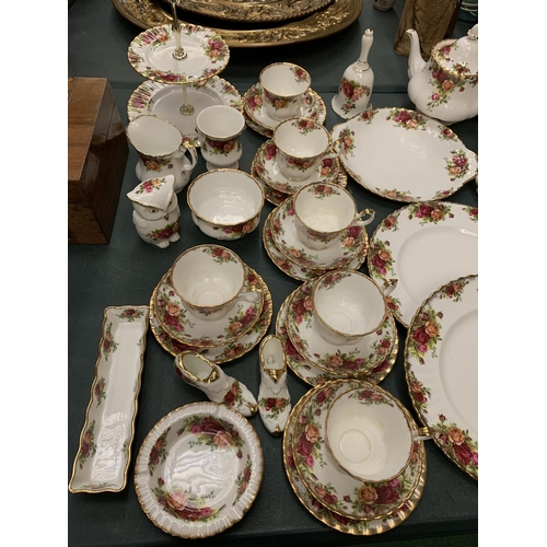49 - A 35 PIECE SET OF ROYAL ALBERT 'OLD COUNTRY ROSES' TO INCLUDE SIX TRIOS