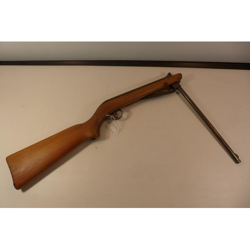 324 - A 177 CALIBRE AIR RIFLE, WITH 38CM BARREL MARKED A65