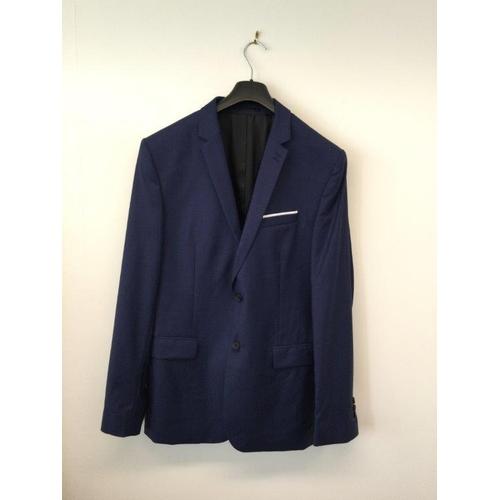 46 - ARMANI - a gents navy blue suit jacket...