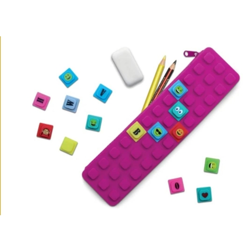 40 - Waff Purple Kase With 20 Colourful Cubes. RRP 9.97...