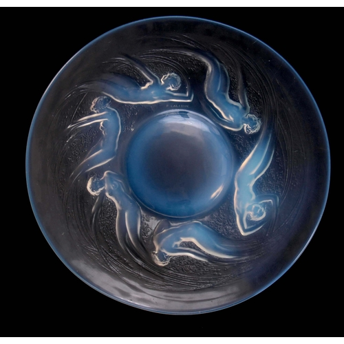 31 - R LALIQUE FRANCE  AN EARLY 20TH CENTURY OPALESCENT RELIEF MOULDED LARGE PLATE WITH RAISED CENTRE