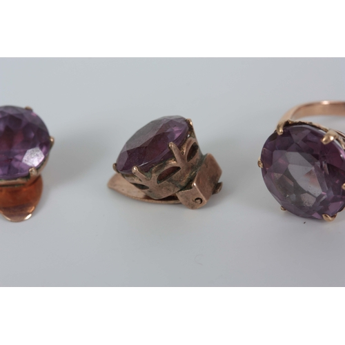 349 - A LADIES 14CT GOLD AND AMETHYST RING WITH MATCHING EARRINGS app. 8.5g...