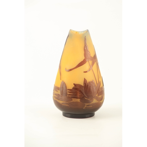 14 - AN ART NOUVEAU GALLE OVERLAY GLASS CABINET VASE OF SQUAT TAPERING FORM with scalloped rim, coloured ...
