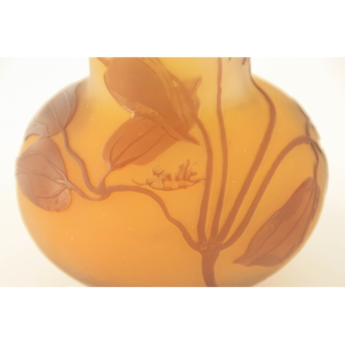 17 - AN ART NOUVEAU GALLE OVERLAY SQUAT BULBOUS CABINET VASE WITH CYLINDRICAL NECK decorated in sepia sha...