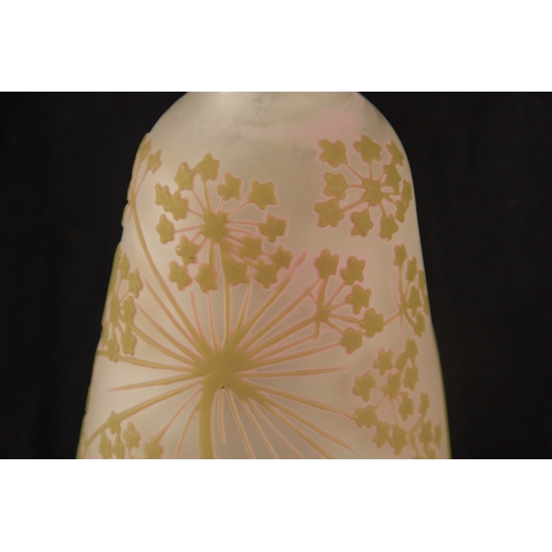 30 - GALLE.  AN EARLY 20TH CENTURY CAMEO GLASS VASE of tapering form with floral overlays and raised sign...