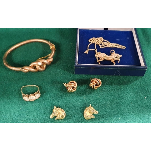 3 - A large quantity of 9 carat Gold Jewellery to include earrings, a necklace, bangle and other items. ...