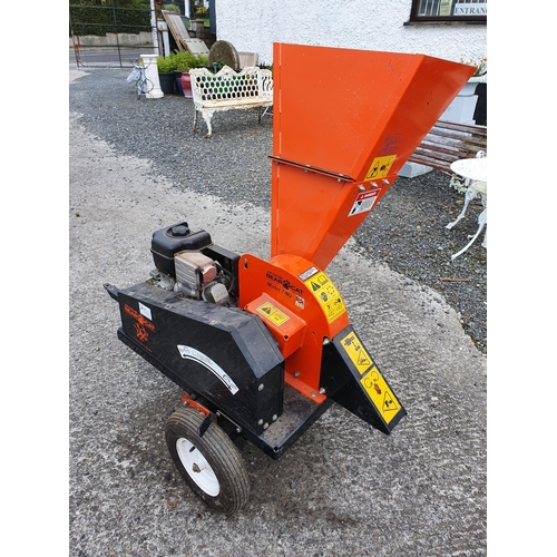 53 - A Briggs and Stratton Intek 340 212 hp Wood Chipper as new....