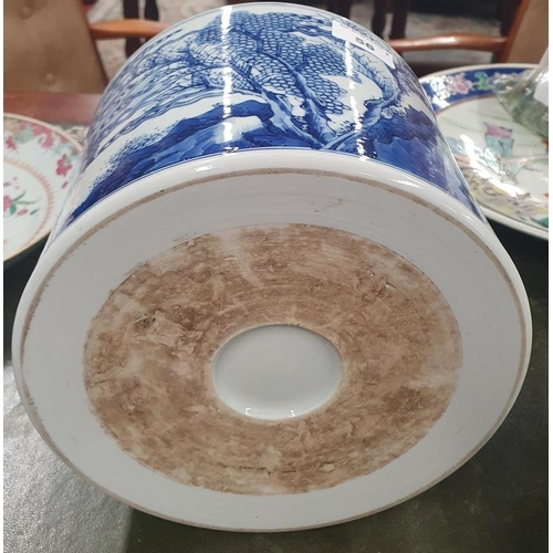 56 - A good Chinese Pot with blue and white decoration.