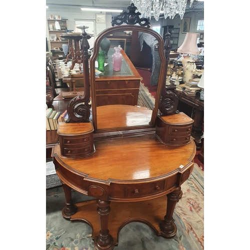 57 - Of Superb quality. A really fine Victorian Mahogany Duchess Dressing Table. W 120 x d 58 x H 169 cm ...