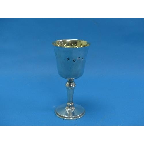 27 - An Elizabeth II silver Goblet, by W I Broadway & Co., hallmarked Birmingham, 1974, of plain form wit...