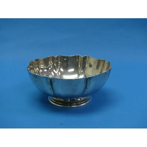 40 - A mid 20thC American sterling silver lobed Bowl, by Gorham, Rhode Island, of shaped octagonal form r...