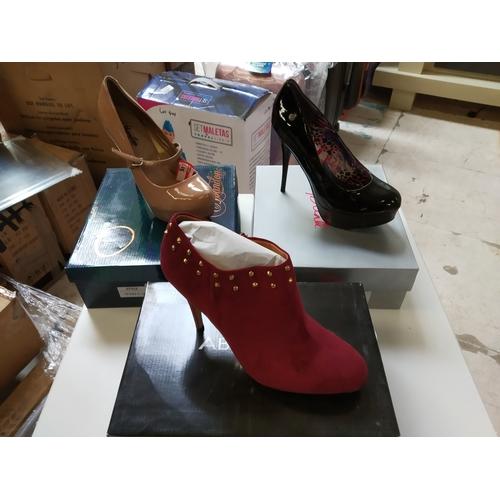 54 - 3 pairs ladies shoes. rrp £75...