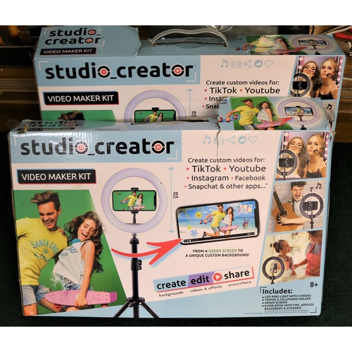 27 - 2 X BOXED STUDIO CREATOR VIDEO MAKER KITS (LED LIGHT WITH STAND) INCLUDING GREEN SCREEN