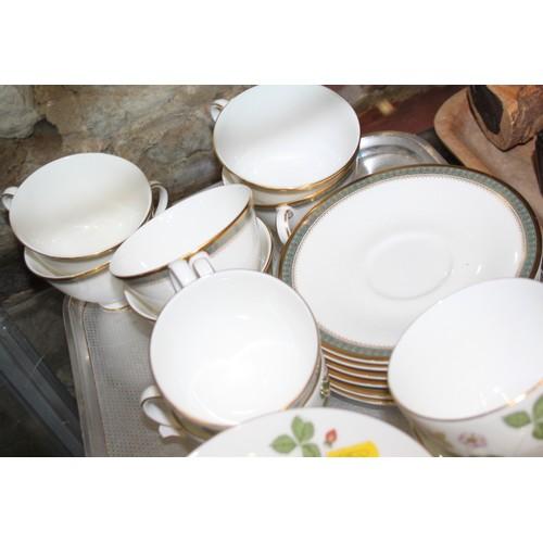 42 - A Wedgwood bone china