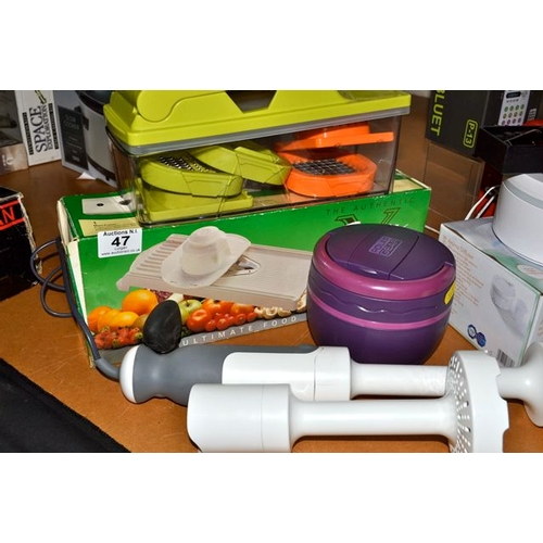 47 - Kitchenware Pieces Incl Blenders...