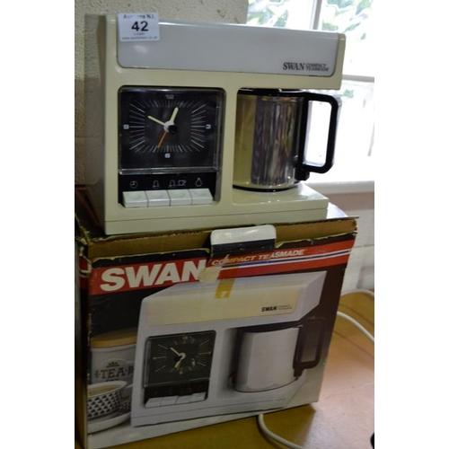 42 - Swan Compact Teasmade...